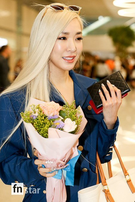 [PHOTO] 190729 Tiffany - ICN Airport EAobKrgVAAAn7lM?format=jpg&name=small