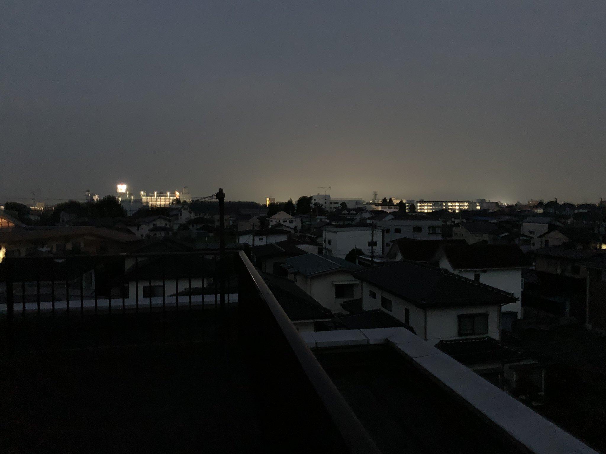 栃木の停電で住宅が真っ暗になっている画像