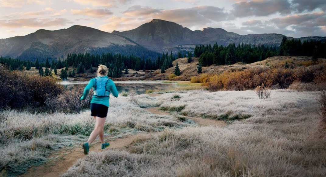 @annafrosty became a mother earlier this year, and she shares her thoughts on trail running, parenting and nature in this wonderful video. #findyourdirt #findyourvert #trailrunner #trailrunning bit.ly/2GDmrHA