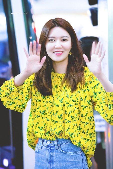 [PHOTO] 190512 Sooyoung- CGV Fantalk Live  EAp8rVDUIAIsAZp?format=jpg&name=small