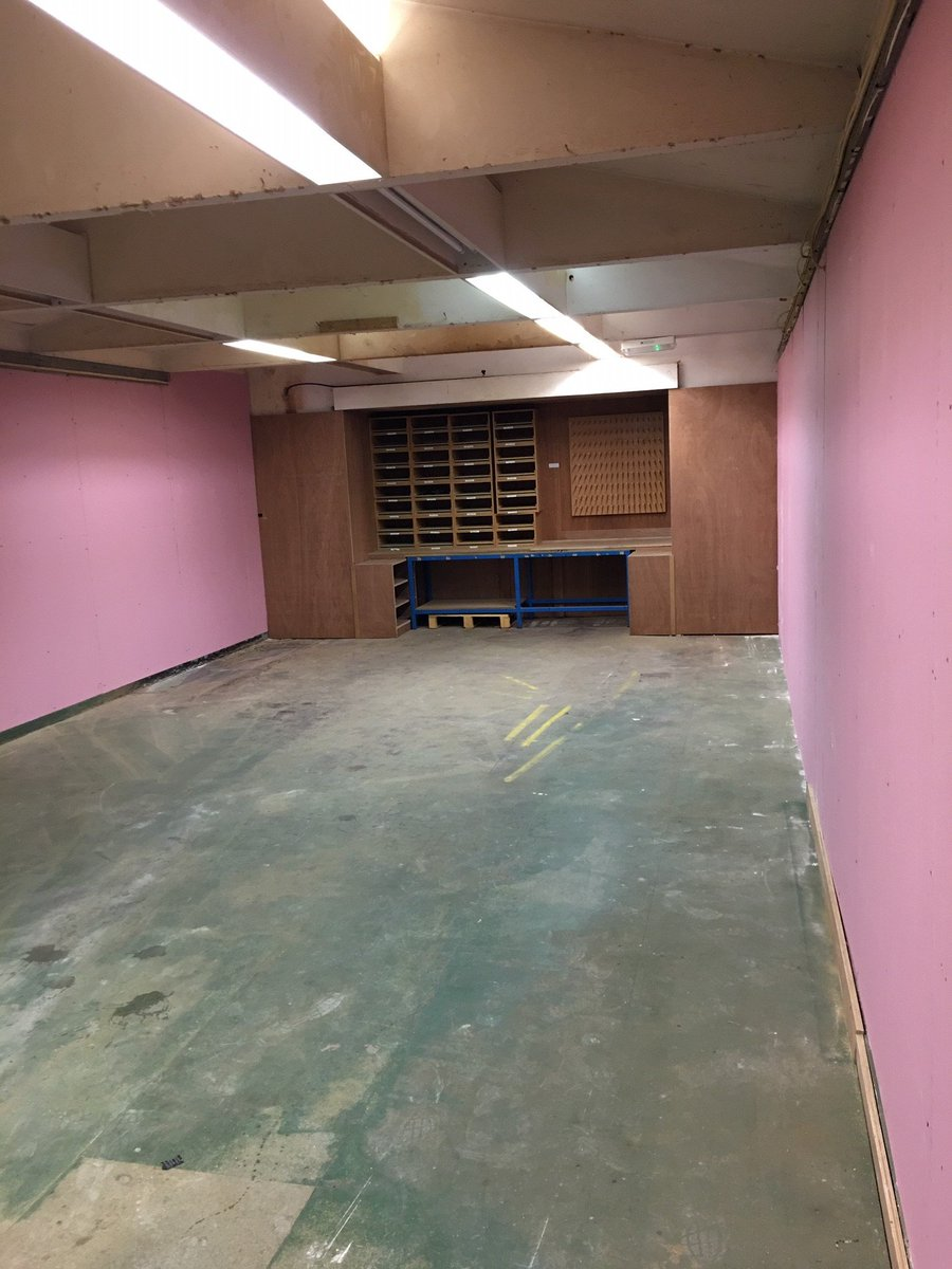 test Twitter Media - Available for rent in St Neots, 2 fully secured store rooms which can be used for light industrial and or storage. Room 1 - 11.5m x 5m, room 2 7m x 7.5m. DM for more info. Also available in the same factory x 3 individual offices which can be combined in to 1. https://t.co/07ZpZPD5wo