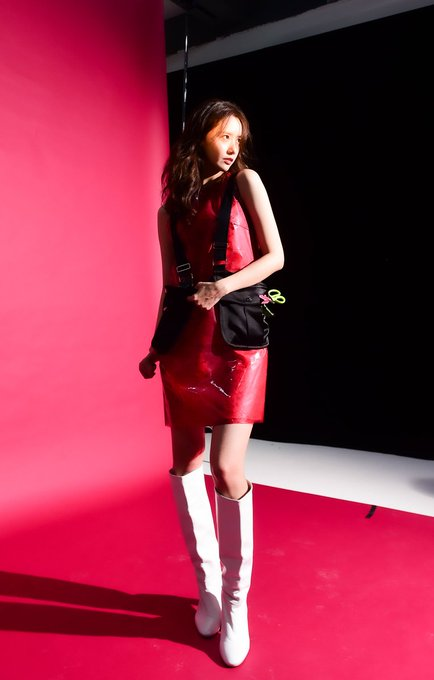 [PHOTO] Yoona HIGHCUT VOL.244 EApjiClUwAY18ff?format=jpg&name=small
