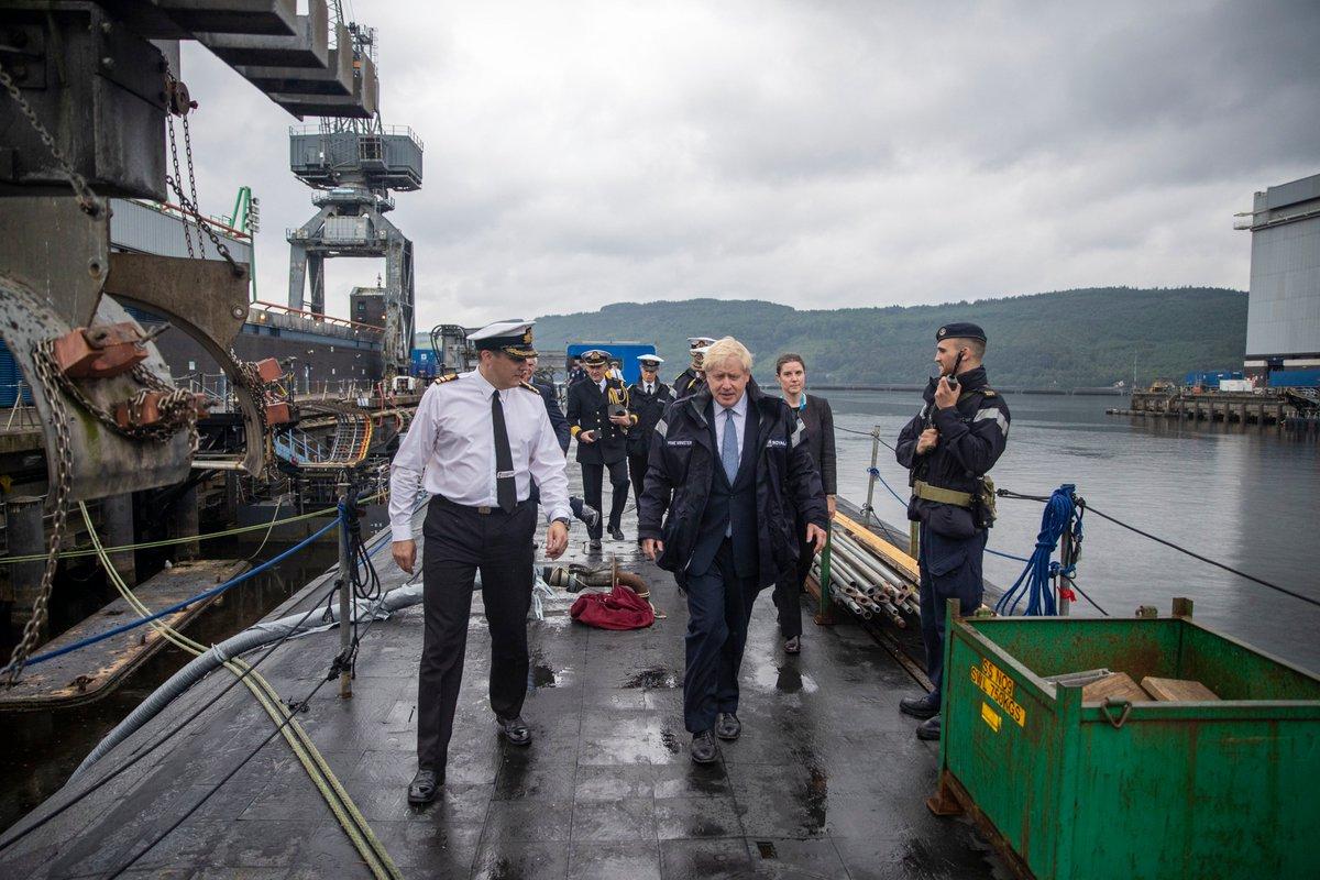 Boris Johnson's 'PRIME MINISTER' jacket is v Vetements
