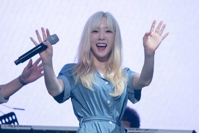 [PHOTO] 190728 Taeyeon - BEANPOLE Concert EApsNfiUcAAhnJr?format=jpg&name=small