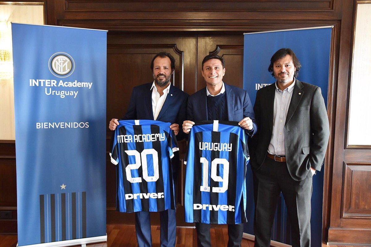 Inaugurazione dell'Inter Academy Uruguay: Montevideo si tinge di nerazzurro ⚫️🔵🇺🇾 @inter