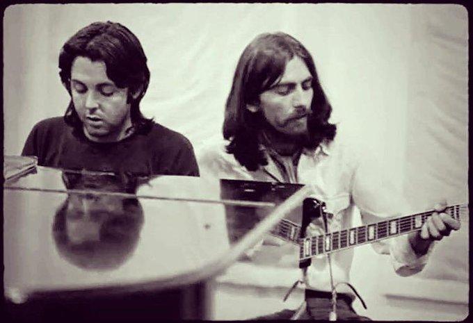 EAqMFgaWsAAf47z - Abbey Road at fifty