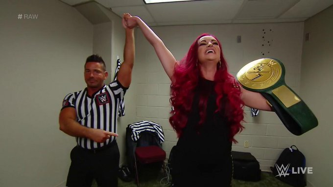 Maria Kanellis Wins The WWE 24/7 Title On Tonight's RAW (Videos, Photos)