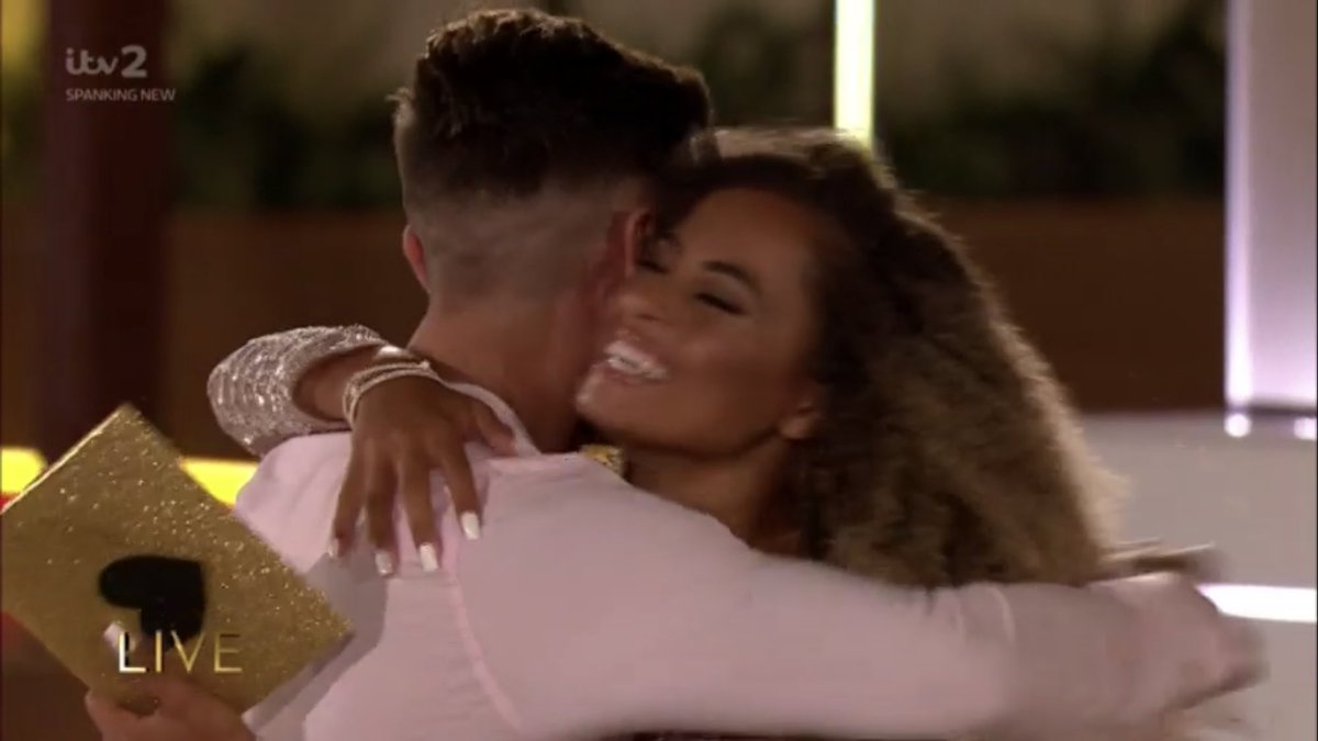 DEAR UK,  WE FUCK UP GENERAL ELECTIONS WE'VE FUCKED UP BREXIT, BUT PRAISE THE LORD WE'VE GOT LOVE ISLAND 2019 RIGHT. JUSTICE IS SERVED!   #loveisland #loveIslandfinal https://t.co/5jF3KVN1Wd