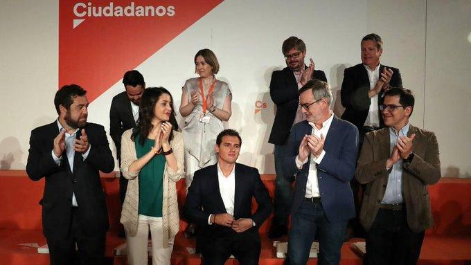 El partido Ciudadanos - Página 11 EArIV3HVAAId08r?format=jpg&name=small