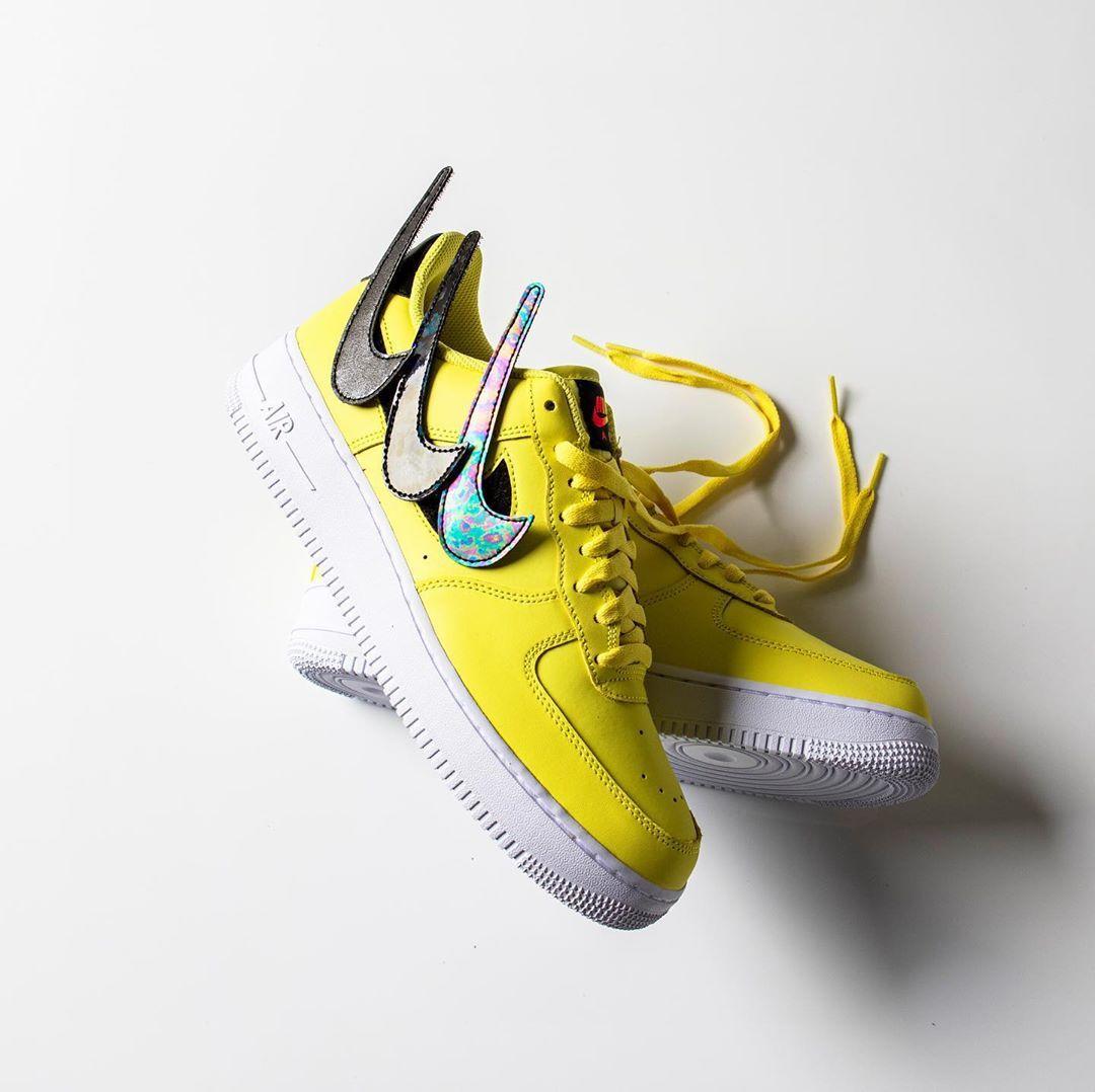 yellow pulse nike
