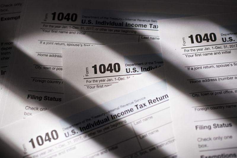仮想通貨保有者1万人に警告へ-米内国歳入庁が納税促す書簡