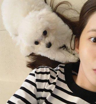 Tổng hợp SNS của Yoona EAse-_AXUAAQsEx?format=jpg&name=360x360