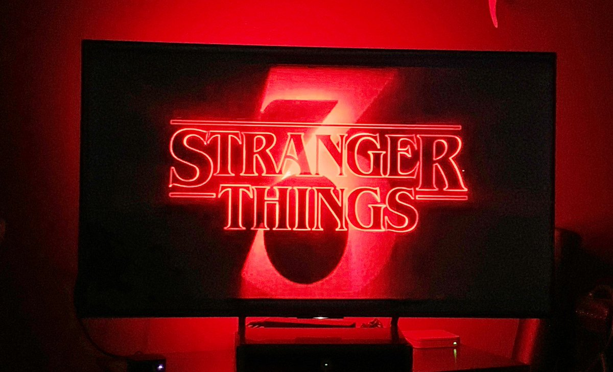 Yes I'm a freak. Rather that binge, I savor one episode every week. I have #StrangersThings3 all summer! #horror #NowWatching #Netflix<br>http://pic.twitter.com/mUiKdqsxdi
