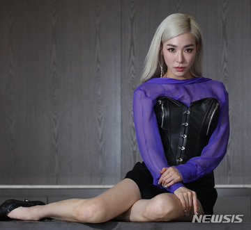 [PHOTO] Tiffany Young Newsis Interview Photo EAt9dxMUIAA8ZVH?format=jpg&name=360x360