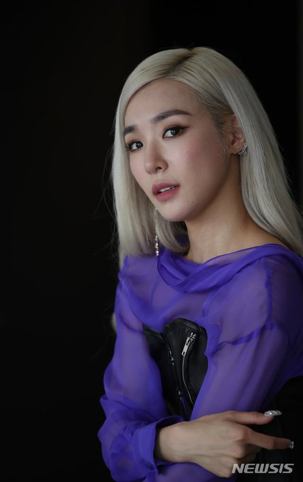 [PHOTO] Tiffany Young Newsis Interview Photo EAt9zOGUEAEMOGX?format=jpg&name=small