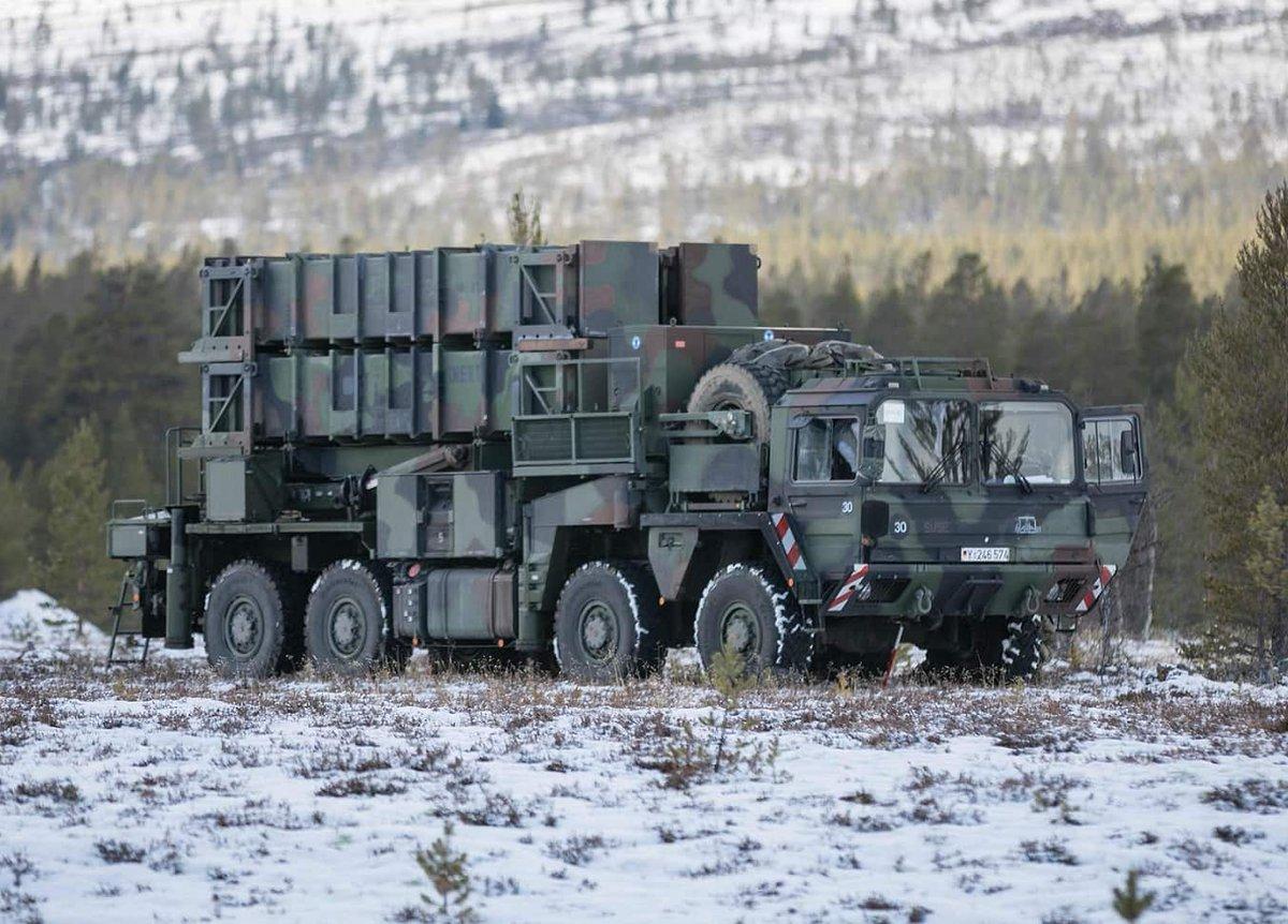 المانيا توقع صفقه لترقيه منظومات Patriot للدفاع الجوي لتبقى فعاله حتى العام 2035  EAtDnC2XoAAFGl4