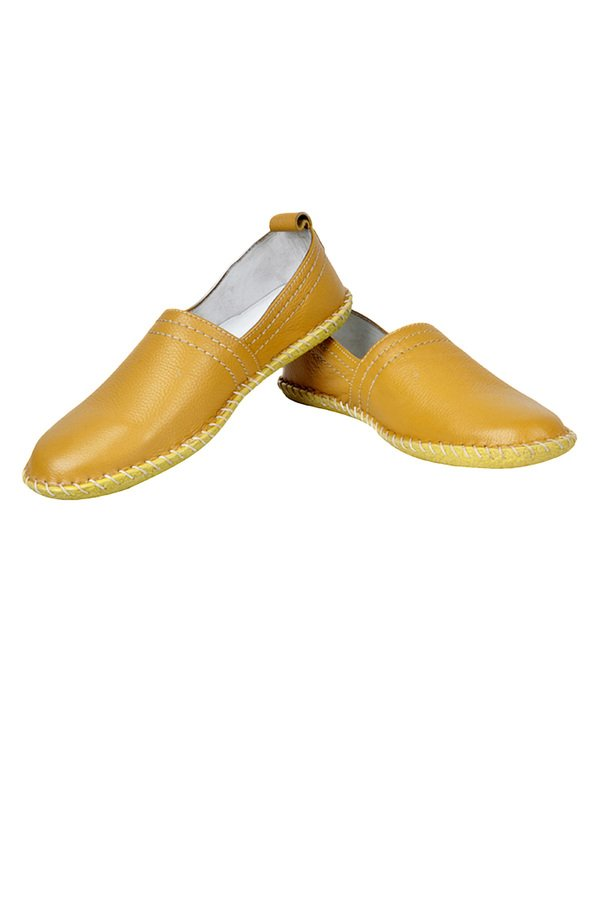 6f06ac73e7413 ... lace up shoes stress Get it for 50% less https://bit.ly/2ylt10D  @AsaanHQ #jabong #mensfootwear #mens #mensloafers #shoes #footwear #yellow # india ...