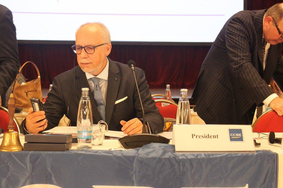 test Twitter Media - JUDr. Antonín Mokrý, člen představenstva ČAK a emeritní prezident @CCBEinfo hovoří o evropské a české advokátní legislativě v rozhovoru zde: https://t.co/EetgXN1YJD #advokatnidenik https://t.co/k4nQPrXCAj