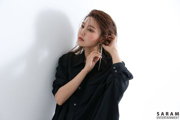 "[PHOTO] Sooyoung - ""SINGLES"" Magazine BTS  EAue-5HUIAAuGjv?format=jpg&name=360x360"