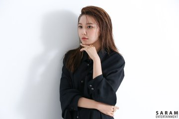 "[PHOTO] Sooyoung - ""SINGLES"" Magazine BTS  EAue-5ZU0AEu0I6?format=jpg&name=360x360"
