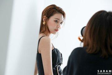 "[PHOTO] Sooyoung - ""SINGLES"" Magazine BTS  EAue-5kUIAE2asY?format=jpg&name=360x360"