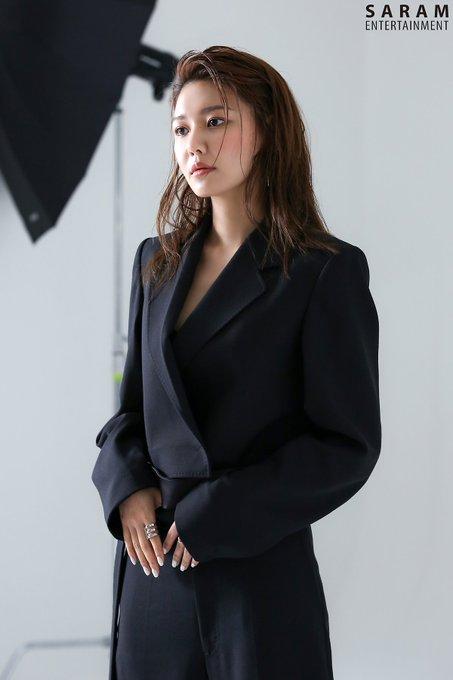 "[PHOTO] Sooyoung - ""SINGLES"" Magazine BTS  EAueNAMUcAAhTFm?format=jpg&name=small"
