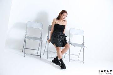 "[PHOTO] Sooyoung - ""SINGLES"" Magazine BTS  EAuefAlVAAEZvk2?format=jpg&name=360x360"