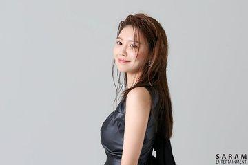 "[PHOTO] Sooyoung - ""SINGLES"" Magazine BTS  EAufXO-UEAU4uf3?format=jpg&name=360x360"