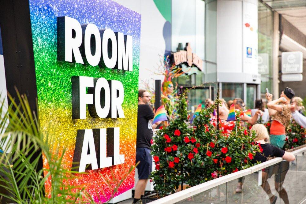 Lyckad invigning på @clarionstockholm när Pride-veckan invigdes  https://t.co/B0hWQOHRxq https://t.co/HAasd0afLu