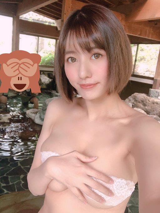 グラビアアイドルヴァネッサ・パンのTwitter自撮りエロ画像1