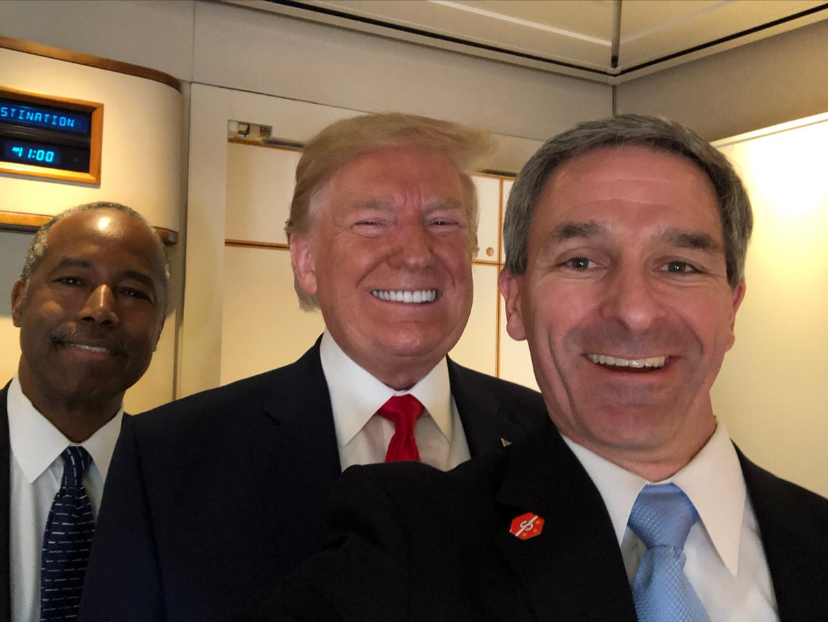 Traveling from historic Jamestown... caught a ride with @realDonaldTrump and HUD Sect. #BenCarson. Great speech by POTUS to Va. Gen. Assembly. <br>http://pic.twitter.com/HQYs0nwlcW