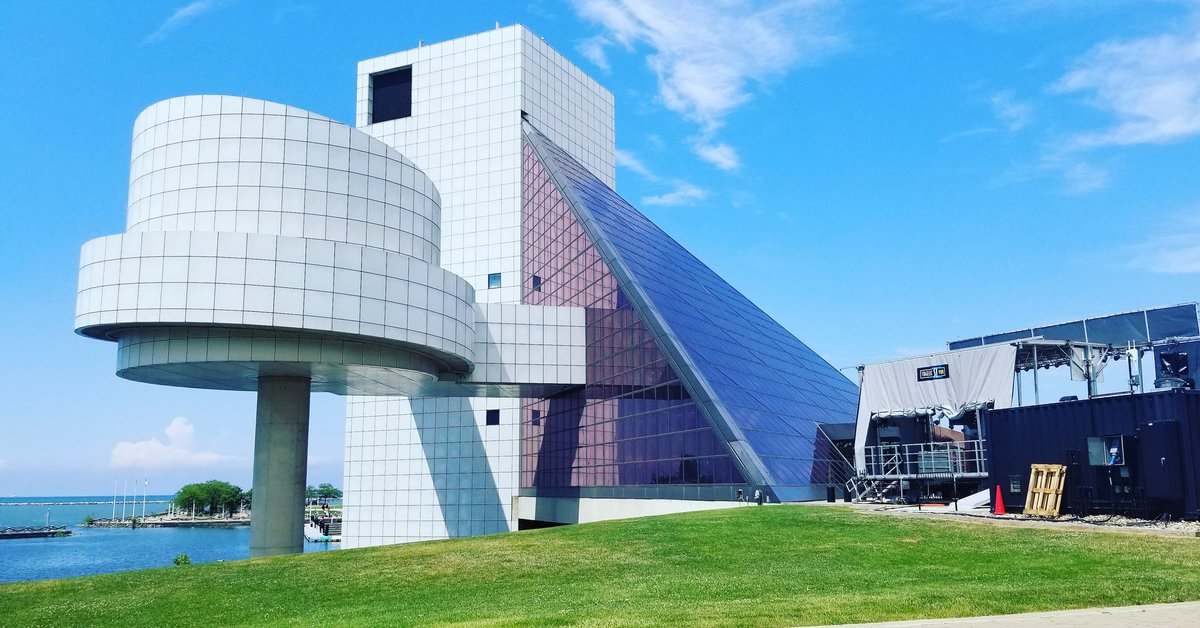 A #collegetour can have fun stops too! Our @BrightsparkUS group is touring the @rockhall in #Cleveland. #potomactours #seetheusa #collegetourseason #RockandRoll #rockhall<br>http://pic.twitter.com/PTw58Bh3PE