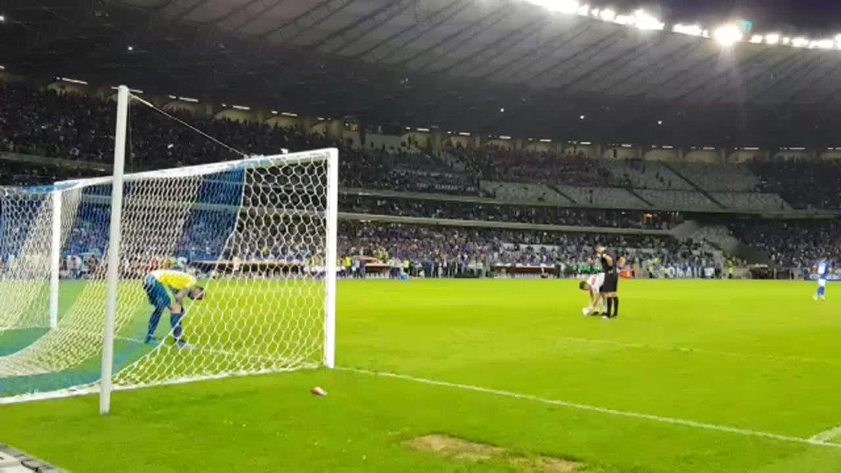 ¡EL PENAL DE LA CLASIFICACIÓN!#LibertadoresxFOX Revive desde el #AnguloFOX el disparo del colombiano Borré que le dio la clasificación a River Plate a los cuartos de final de la CONMEBOL Libertadores.