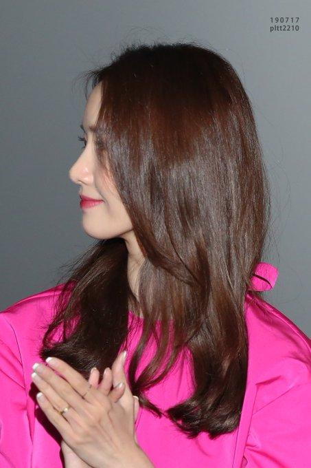 "[PHOTO] 190724 Yoona - ""Exit"" CGV Yongsan Imax Hall greeting EAx71LRU0AAbQkR?format=jpg&name=small"