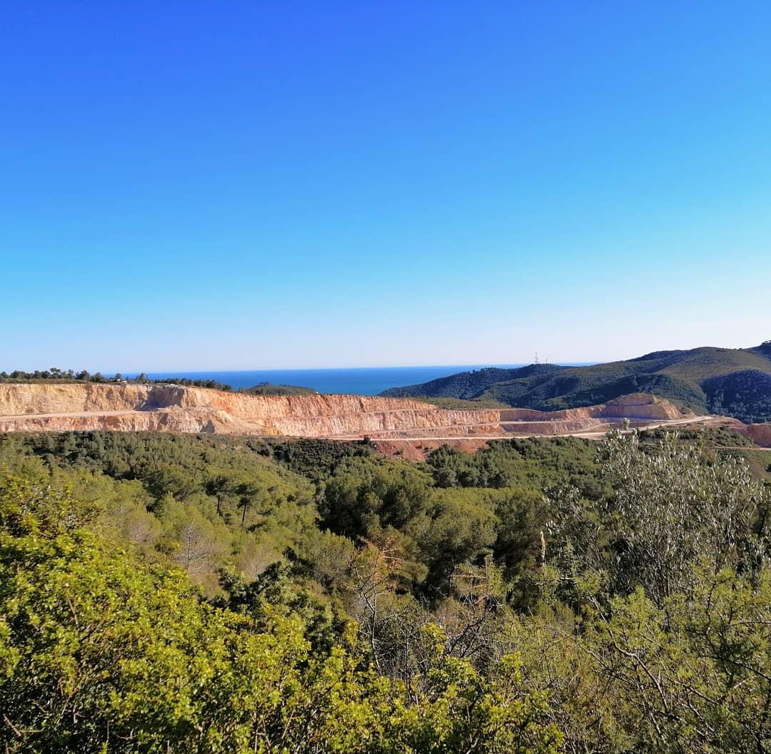 RT @BCNmoltmes: Al #Garraf trobem una extraordinària diversitat de #paisatges… 😍 Mar i muntanya marcats per la bellesa mediterrània única en la zona. 🏔🌊#BCNmoltmes 📷 lilyandspain