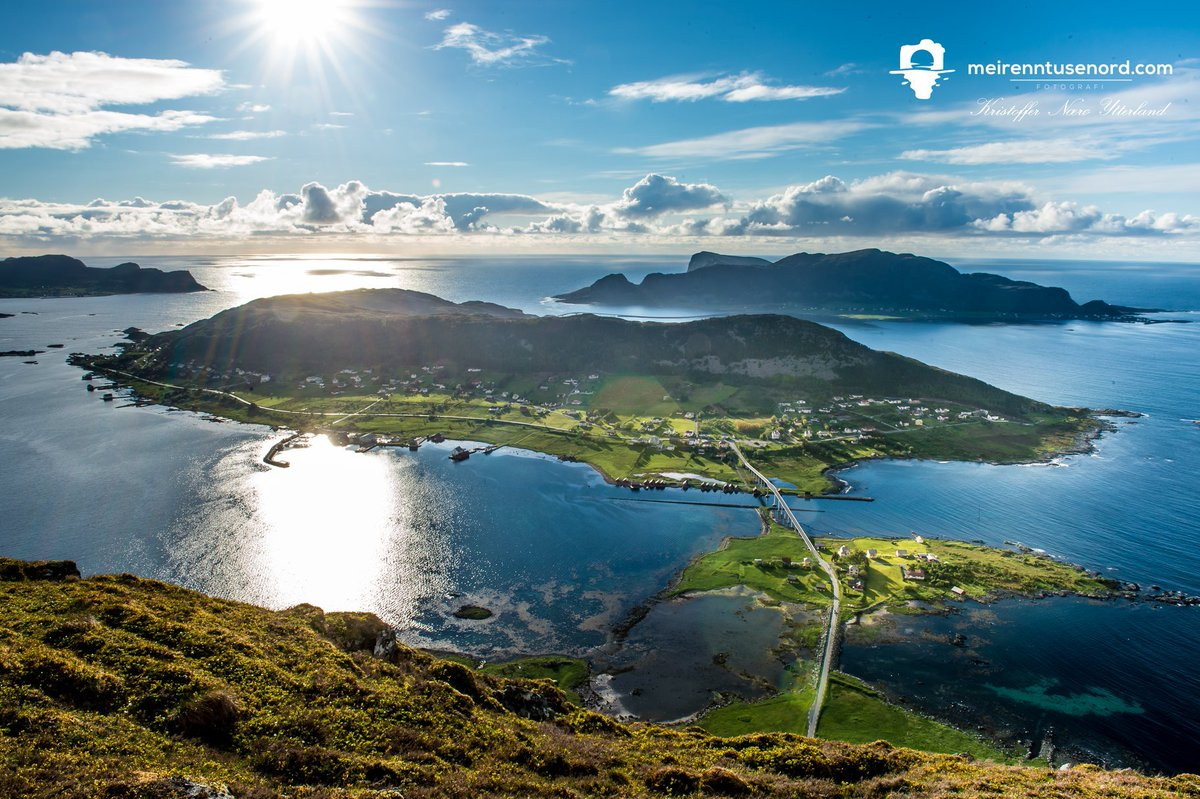 #WanderlustWednesday Wow 😍 From Herøy, Møre og Romsdal. Photo Kristoffer Nærø Ytterland #Norway #travel #fjords #landscapephotography @fjordnorway @epicfjords