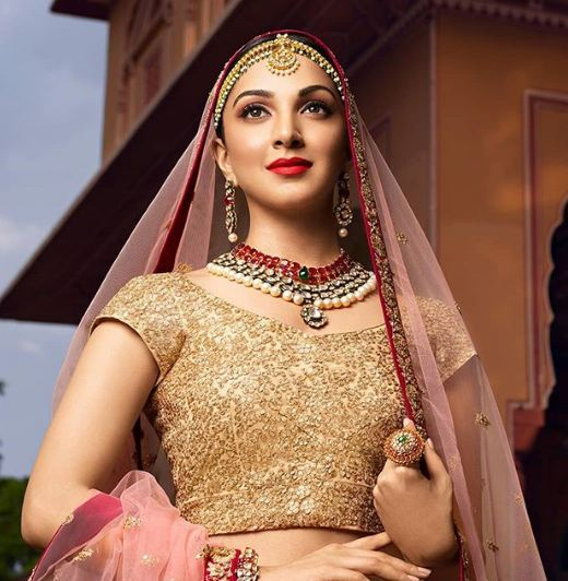 Actress Kiara Advani HD Images Gallery  IMAGES, GIF, ANIMATED GIF, WALLPAPER, STICKER FOR WHATSAPP & FACEBOOK