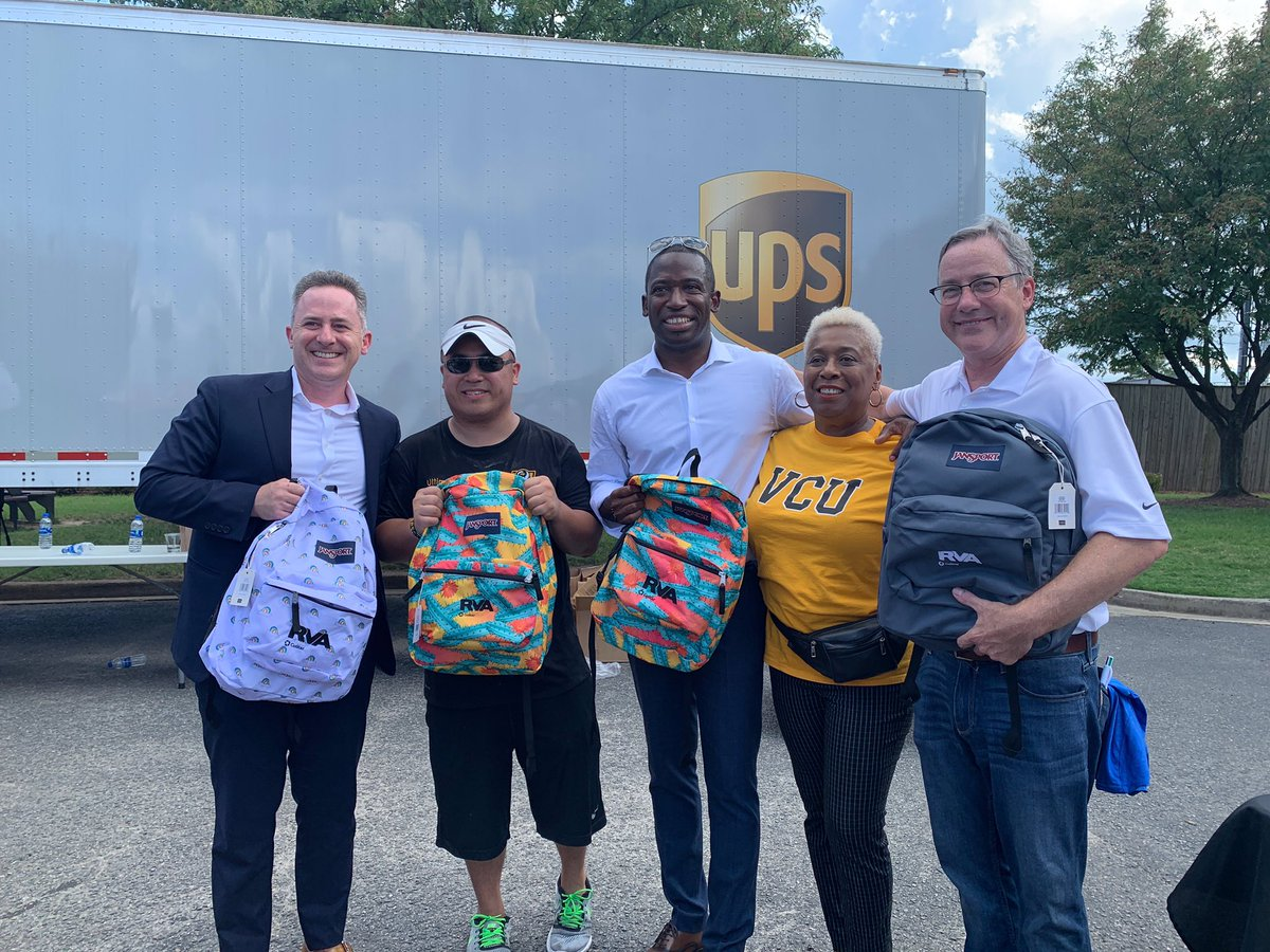 Thank you @RPS_Schools superintendent @JasonKamras, @vcualumni's Timmy Nyugen, Mayor @LevarStoney, Richmond school board member Cheryl Burke, our wonderful employees, and all of the volunteers who stuffed backpacks today! 🎒