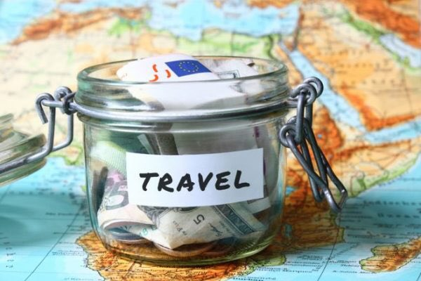 Interesting story on the news today about the fact you can save nearly £450 a year just by booking your holiday in advance! Definitley agree, plan 11 months in advance and you're on to a winner! Better prices, more choice and save money! #TravelTuesday #Wimbledon #SwordsTravel