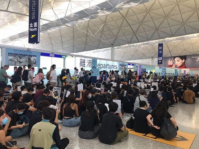#HongKongProtests #hongkongairport  peaceful protest second day <br>http://pic.twitter.com/1M3z77YBet