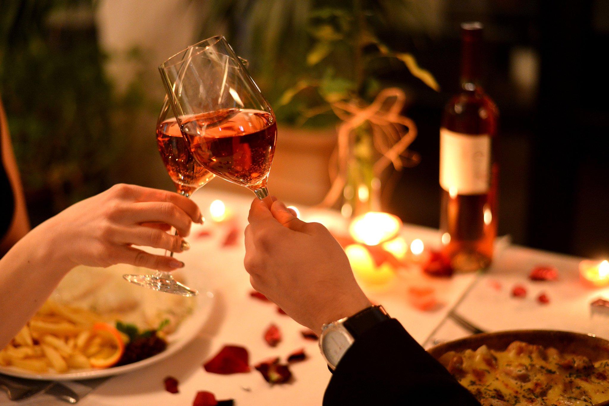Картинки романтического ужина, первоклассников выпускникам класса