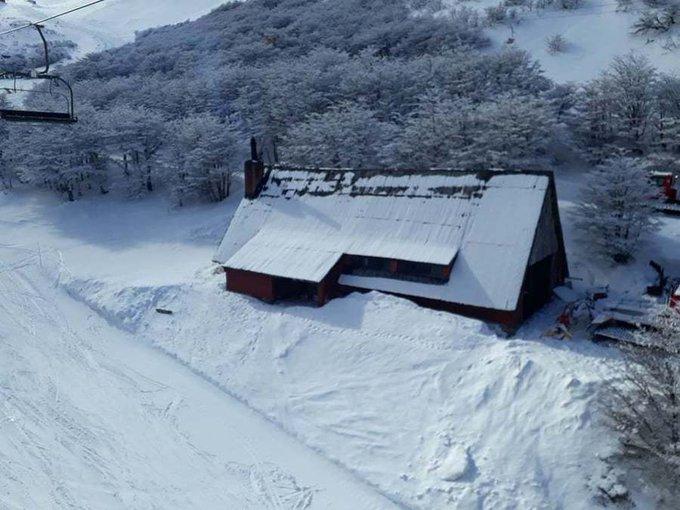 Pablo nos cuenta cómo es vivir cerca de una estación de esquí @SkiLaHoya #Chubut ... siendo fan del snowboard 👉https://t.co/UnZDa7O99M
