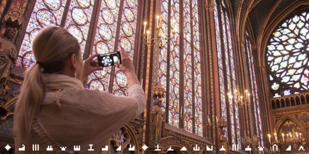 #MardiConseil Envie de percer tous les secrets la #SainteChapelle ? Découvrez les 1113 histoires de ses vitraux à l'aide de l'application. ✨ 👉 sainte-chapelle.fr/Actualites/App…