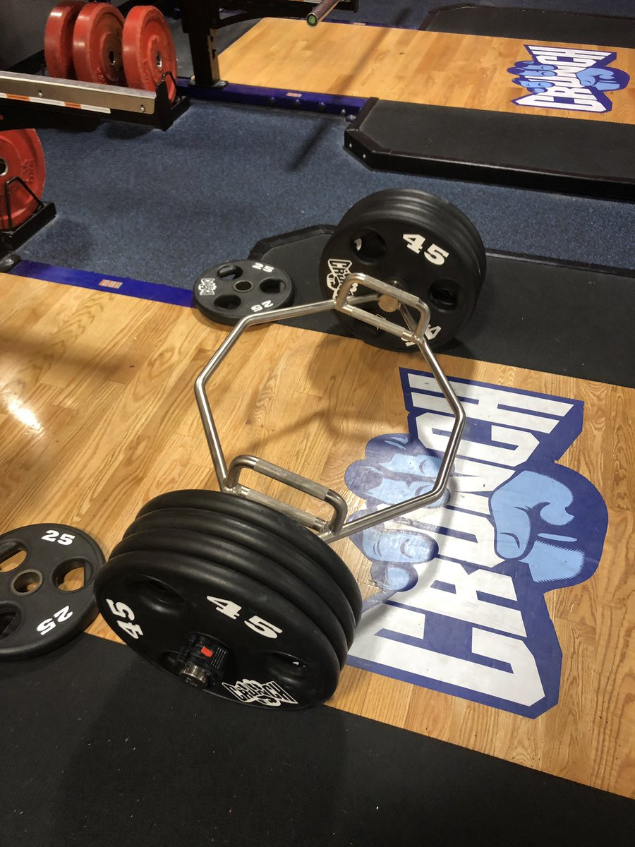 Finally pulled 405 for 5 on hex deadlifts!!!  <br>http://pic.twitter.com/QiQJkud0iy