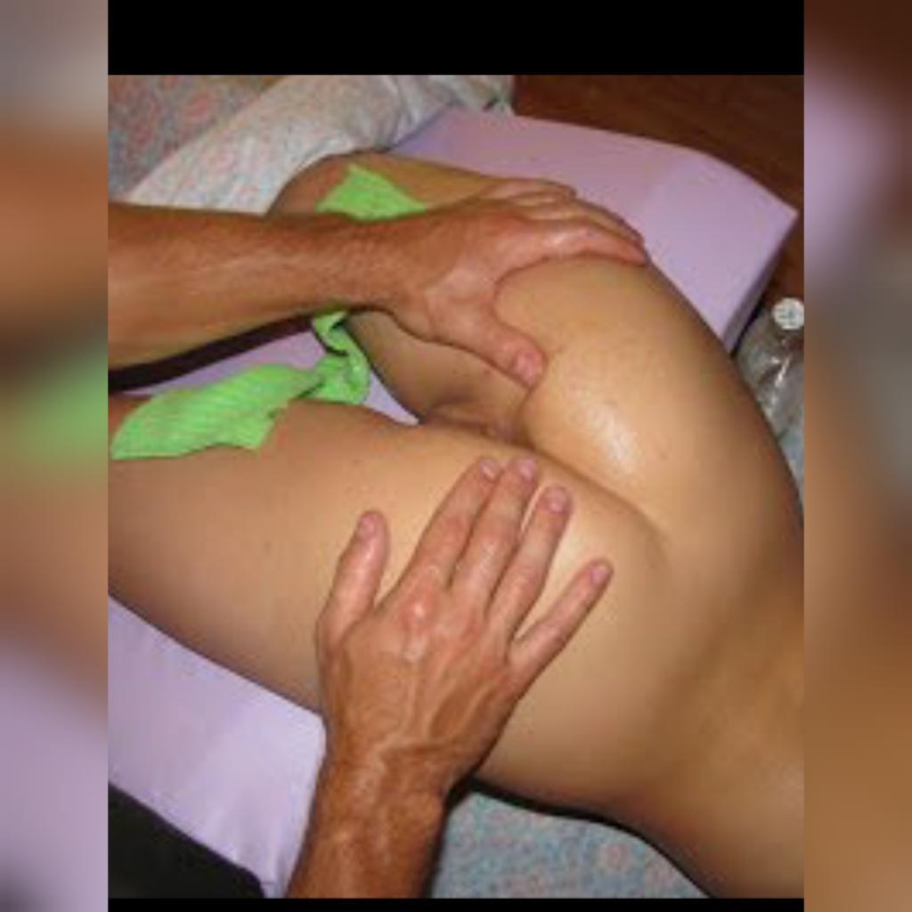 Порно муж делает жене массаж