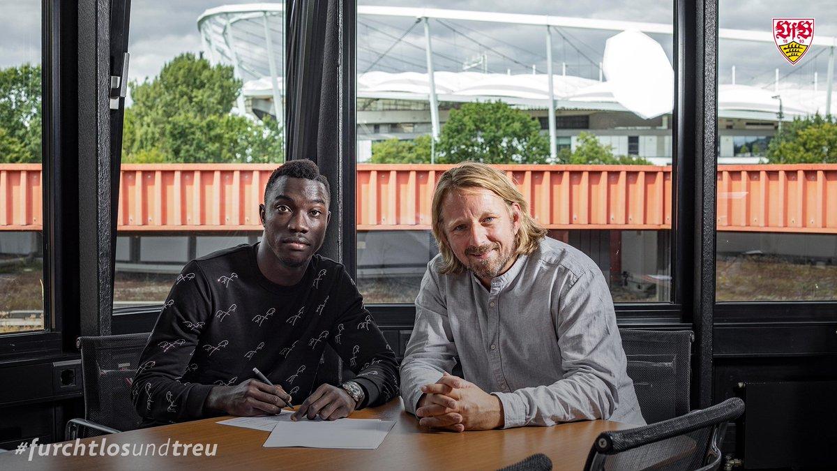 Wamangituka file à Stuttgart (officiel) — Paris FC