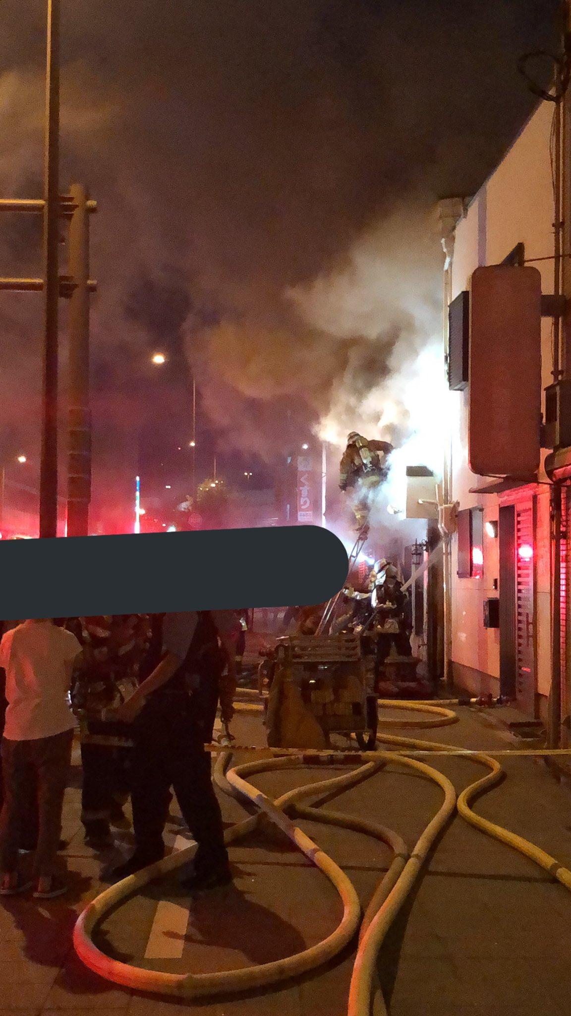 画像,消防車10台以上きててめっちゃびっくりした https://t.co/fwMVsSCmwk。