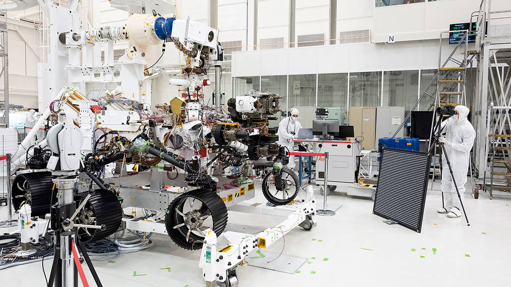 Equipped with visionary science instruments, the Mars 2020 rover underwent an eye exam after several cameras were installed on it. go.nasa.gov/2KwXgaF #EPDC #NASA