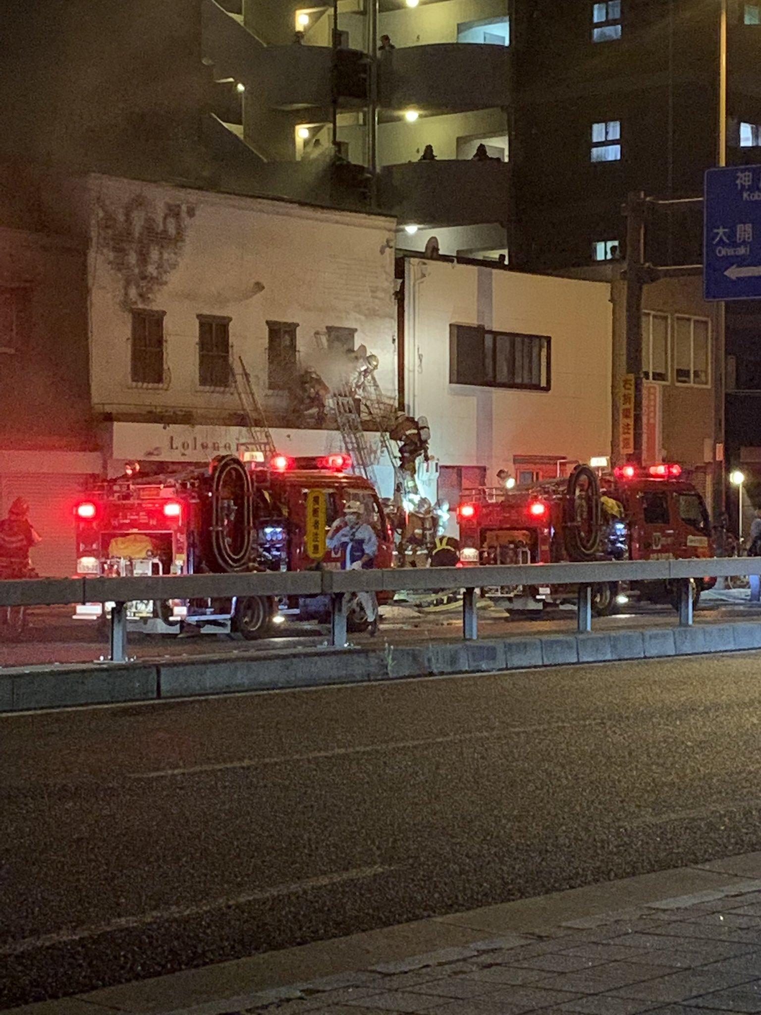 画像,海老江の美容室で火事。周りの建物に燃え移ったようです… https://t.co/dkgvhY4BxP。