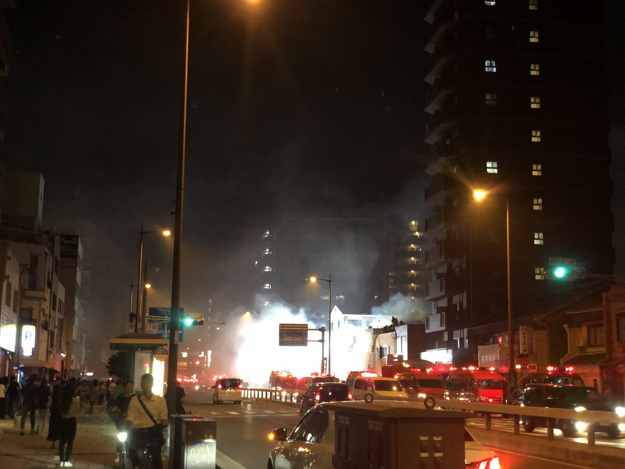 画像,野田〜海老江あたりで火事。20台近くの消防車が.... https://t.co/O6d5CgPPvd。